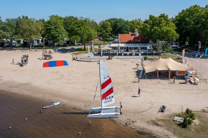 Vakantiepark Bad Hoophuizen in Hulshorst, onderdeel van de Europarcs Group, maakt zich op voor een topzomer. ,,Wij verwachten dat de meeste Nederlanders geen zin hebben in al dat gedoe en lekker in eigen land blijven.''