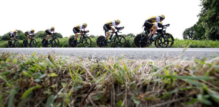 Team LottoNL Jumbo in actie tijdens de negende etappe van de Tour de France tussen Vannes en Plumelec. Beeld anp