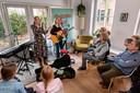 Festival Muziek bij de Buren bij Carla en Pieter Snijders Mulders in Schuytgraaf, februari 2020. Rebellious Rose treedt op.