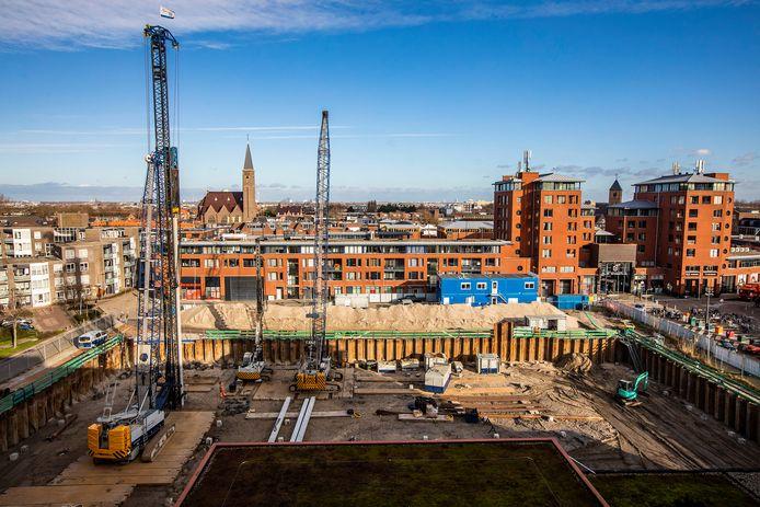 De bouw van De Rentmeester in Naaldwijk, van bovenaf gezien vanaf de kant van de Secretaris Verhoeffweg.