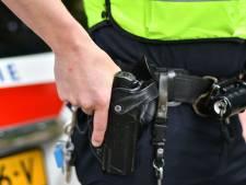 Politie in Oisterwijk lost waarschuwingsschoten bij benadering van man uit Oss, maar hij blijkt niets met melding te maken te hebben