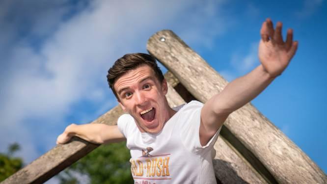 Pretparkfanaat Roel gaat 7 uur (!) lang in heftige achtbaan voor het goede doel: 'Kotszakje? Niet nodig'
