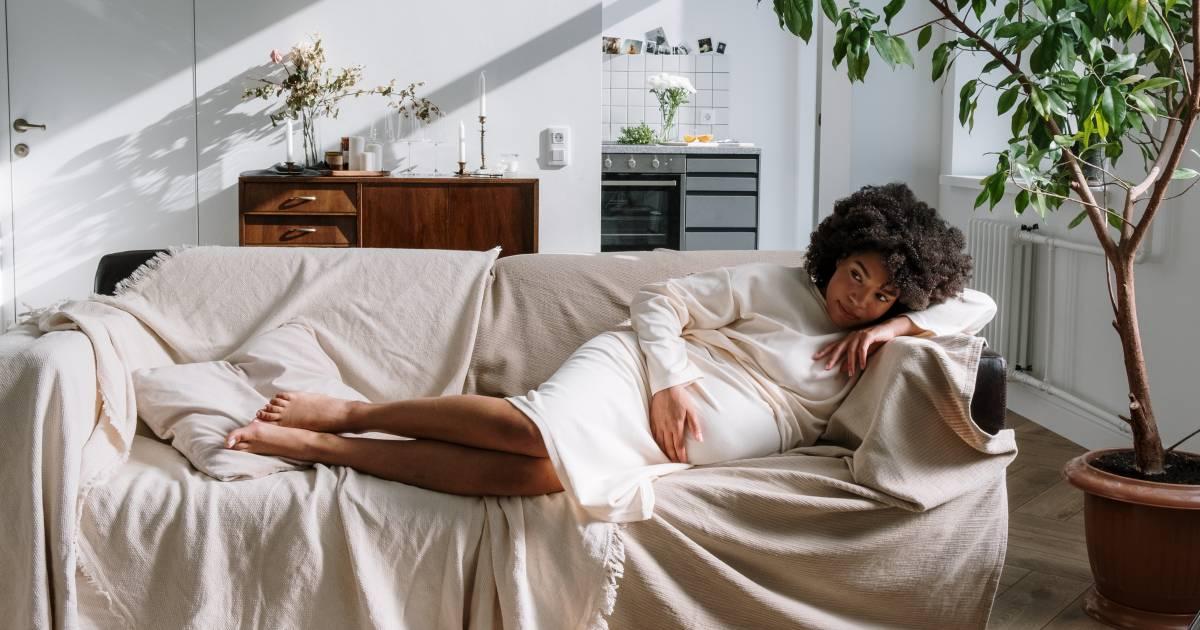 Prenatale depressie blijft vaak onbehandeld: 'Door de stress beviel ik van een prematuurtje' - AD.nl