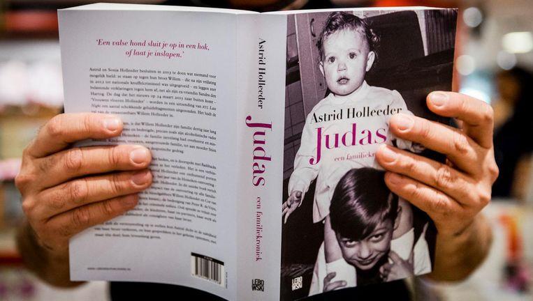 Het boek van de zus van de beruchte crimineel Willem Holleeder verscheen op 5 november en was in een dag uitverkocht. Beeld anp