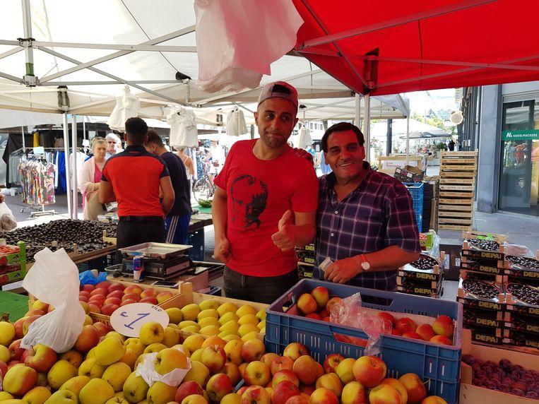 In fruit hebben mensen op de markt in Genk vandaag wél zin.