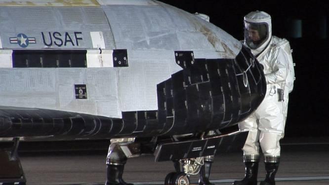 Militaire spaceshuttle van Amerikaans leger geland