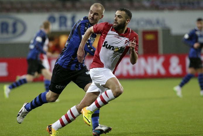 Soufiane Laghmouchi in actie voor FC Emmen.