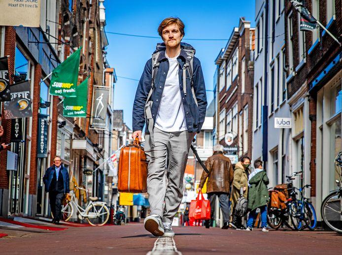 Bob Rekelhof in de straten van Dordrecht.