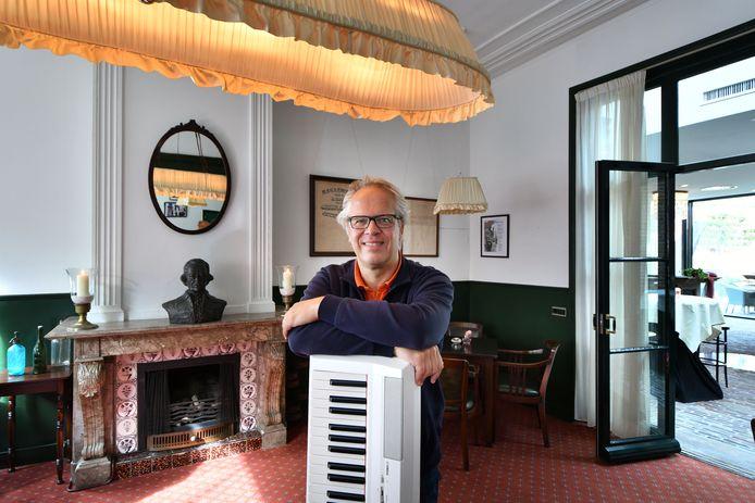 Het J.W. Racerhuis in Oldenzaal, de favoriete plek van pianist Chris van den Heuvel