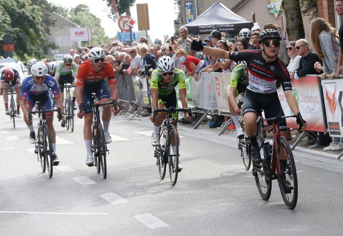 Joes Oosterlinck (tweede van links) greep in de Johan Museeuw Classic, gewonnen door Jon Rye-Johnsen, net naast een plaats op het podium.