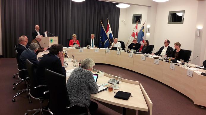 Wethouder van Cranenbroek van Baarle-Nassau meldt in de gemeenteraad dat hij met onmiddellijke ingang aftreedt.