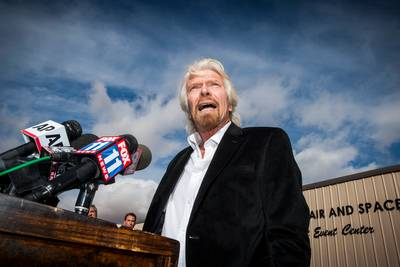 Miljardair Richard Branson volgt astronautentraining