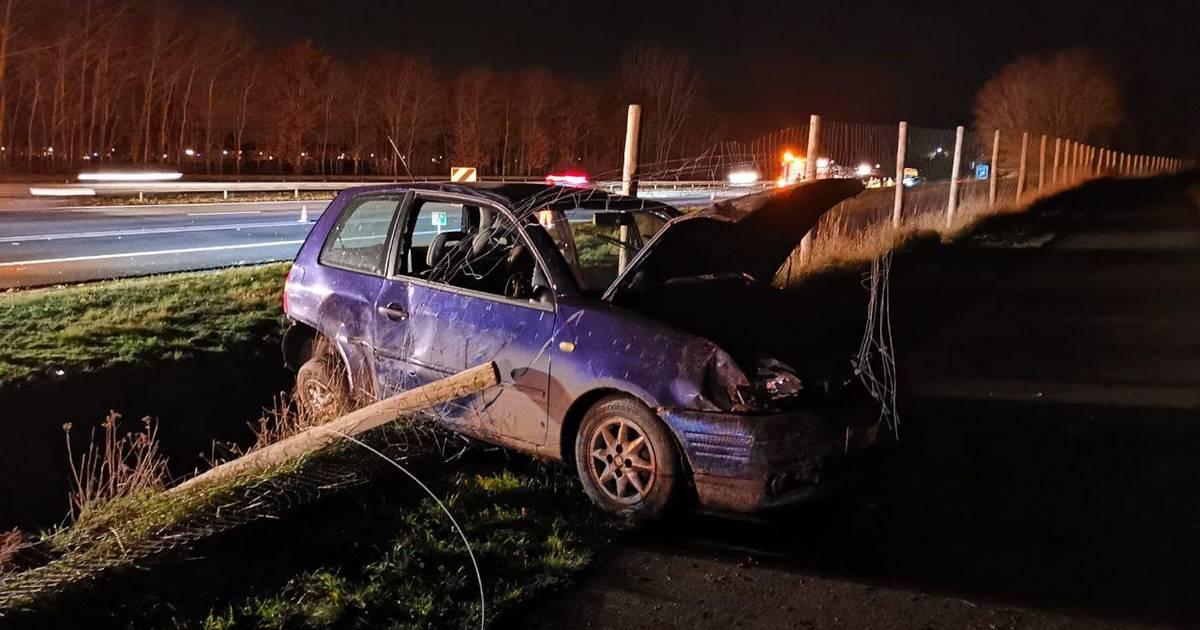 Gewonde en flinke schade bij ongeluk op A32 bij Tuk.