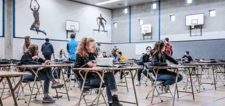 'Gewoon' in de sporthal van school voor het examen: 'We moeten zien hoe dat uitpakt'