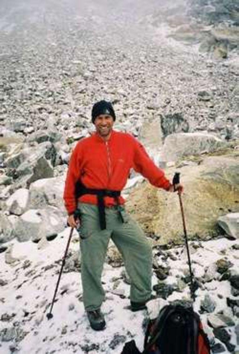 Een archieffoto van Wim Smets tijdens zijn beklimming van de Mount Everest. Beeld UNKNOWN