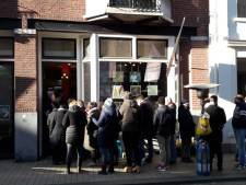 Pinkpop-gekte slaat toe in Tilburg: de hele nacht in de rij voor een kaartje