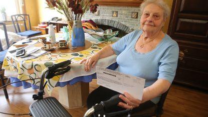 """Angeline (91), die heup brak bij laatste gemeenteraadsverkiezingen, gaat niet meer stemmen: """"Ik ben blij dat ik nog thuis kan wonen na die val, maar alleen buitenkomen doe ik niet meer"""""""