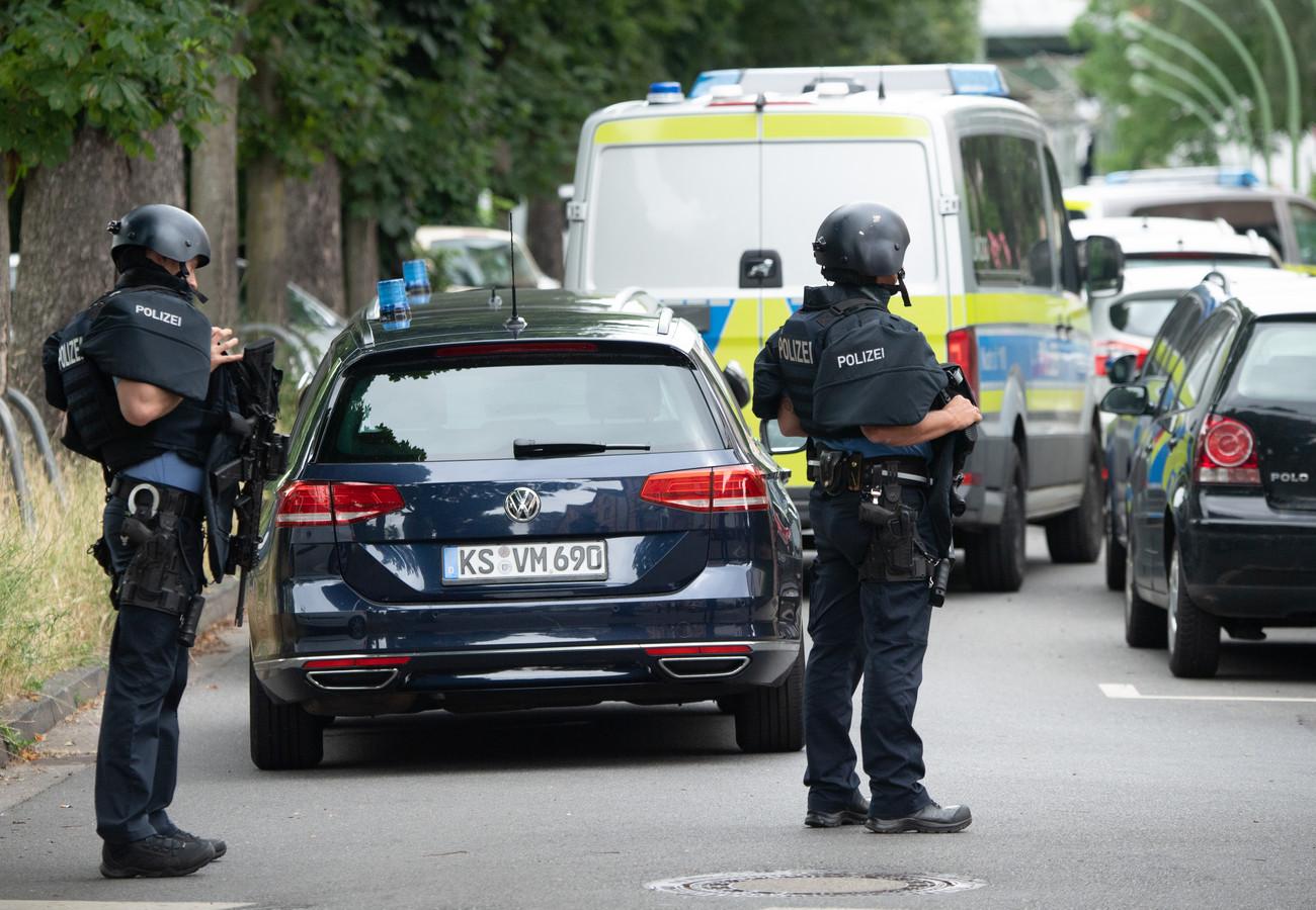 Zwaarbewapende politieagenten op de been in Frankfurt.