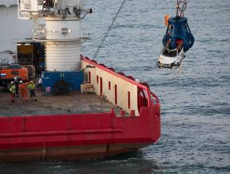 Auto's en schroot uit de Noordzee plukken: veel containers die overboord sloegen bij Nederland niet heel gebleven