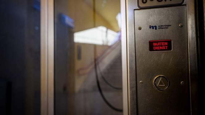 Kapotte lift brengt Wierdense treinreizigers in de problemen: 'Altijd bang dat er niemand kan helpen met de kinderwagen'