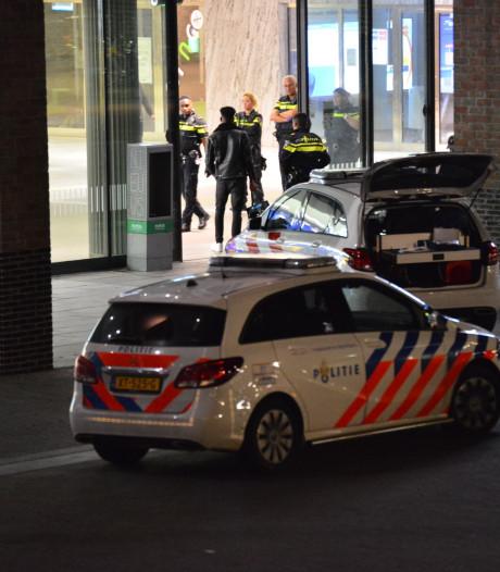 Dronken Rotterdammer (19) veroorzaakt overlast op station Breda en probeert omstanders te beroven