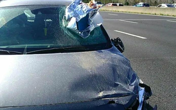 De vrouw die achter het stuur zat was na het ongeval in shock.