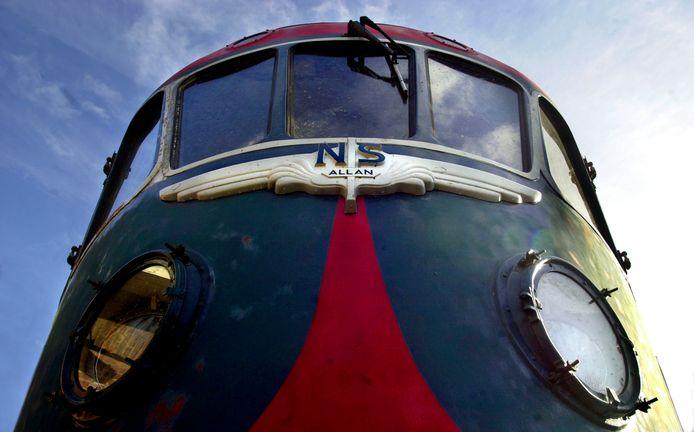 De Blauwe Engel, een van de treinen die in Tilburg werd opgeknapt en die nu in het Spoorwegmuseum staat.