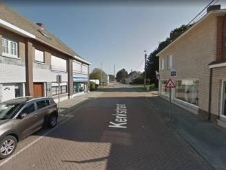 Kerkstraat krijgt nieuwe voetpaden
