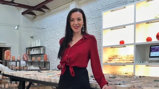 """Styliste neemt 10 jaar oude edelstenenwinkel over: """"Qua aanbod is het een van de grootste van Vlaanderen"""""""