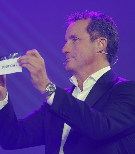John de Bever verricht loting EK zaalvoetbal, maar doet wel eerst een snelcursus Engels