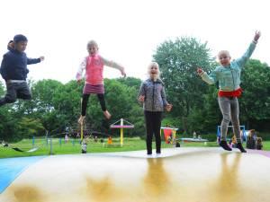 Op 'schoolreis' naar de speeltuin om de hoek: 'Heel erg leuk!'