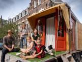 Jarenlang op reis met kampeerbus. Fotografenduo wil hun kinderen 'de schoonheid van de wereld laten zien'