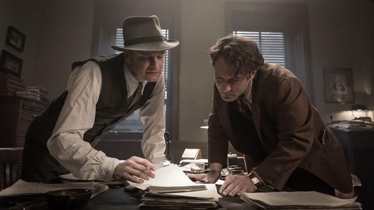 ► Colin Firth en Jude Law spelen Max Perkins en Thomas Wolfe. Beeld RV Marc Brenner