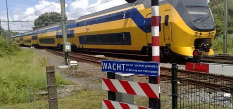 Aanrijding op spoorwegovergang Breda: treinverkeer hervat