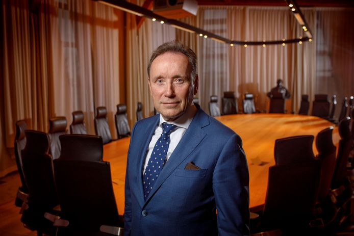 Wim Bens in een vergaderzaal van de ZLTO in Den Bosch.