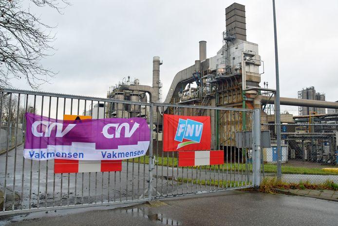 CNV en FNV tijdens staking bij Cargill in Sas van Gent