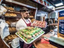Delftse moslims maken zich op voor 'lastigste ramadan': 'Dikke buitenbidmatjes en grotere korans zijn in trek'