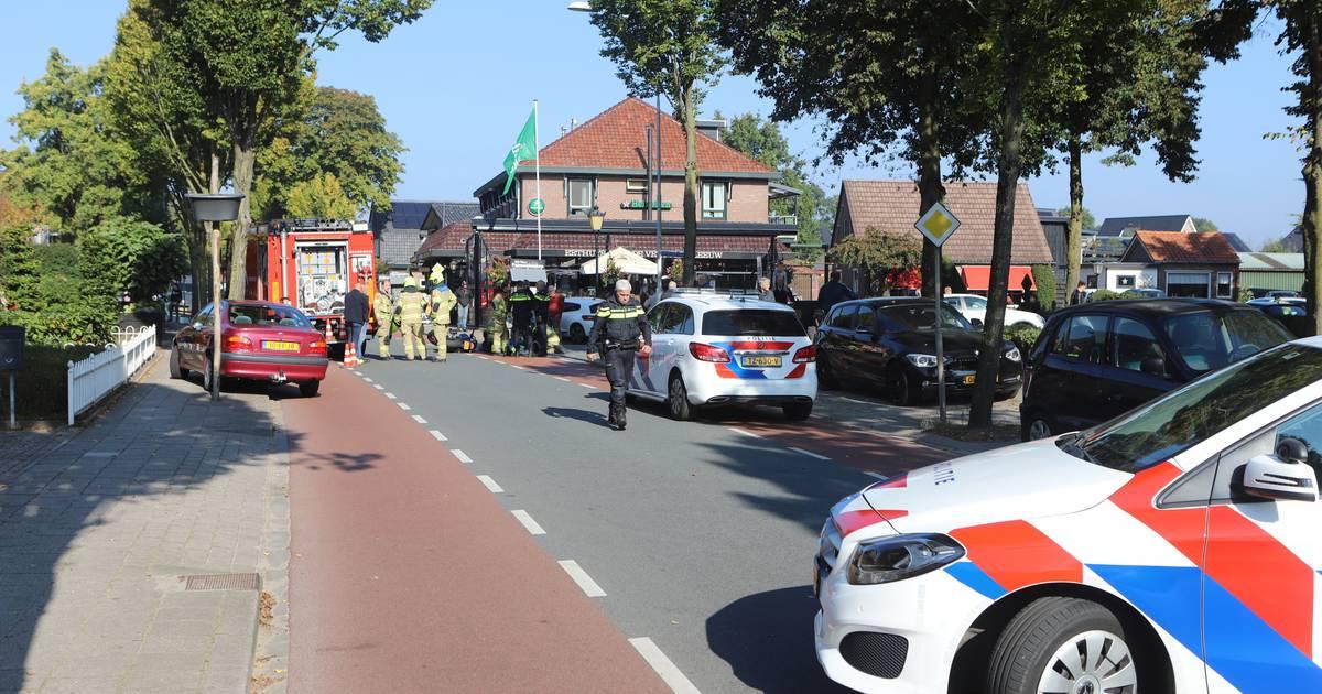 Flinke botsing op de Visarenddreef in Lelystad: één gewonde met spoed naar het ziekenhuis.