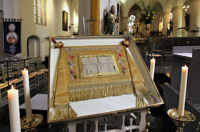 Het heilig bloeddoek in de Petruskerk in Boxtel.