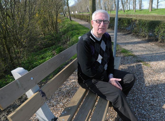 Adri Oosterling, gefotografeerd in 2010, bij zijn afscheid als voorzitter van de PvdA-afdeling Sluis en van de stadsraad Sluis.