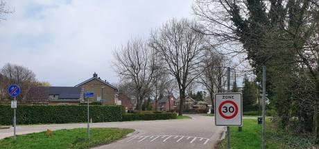 Straatnaambord en kombord Riethoven verdwenen