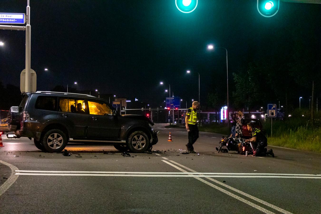 De politie doet onderzoek in Zaltbommel.
