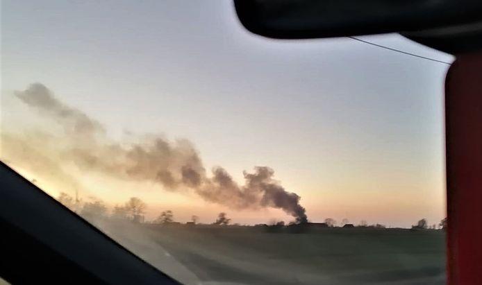 De rookpluim was van ver te zien.