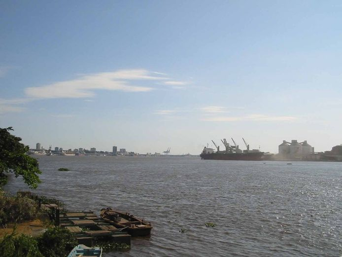 Archiefbeeld van de haven van  Douala