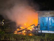 Stacaravan volledig afgebrand op camping in Heerde