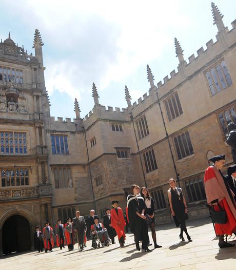 Oxford University blijft gewoon in Engeland
