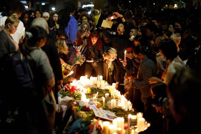 Des centaines de personnes se sont réunies vendredi soir dans le sud-est de Londres pour une veillée en l'honneur de Sabina Nessa