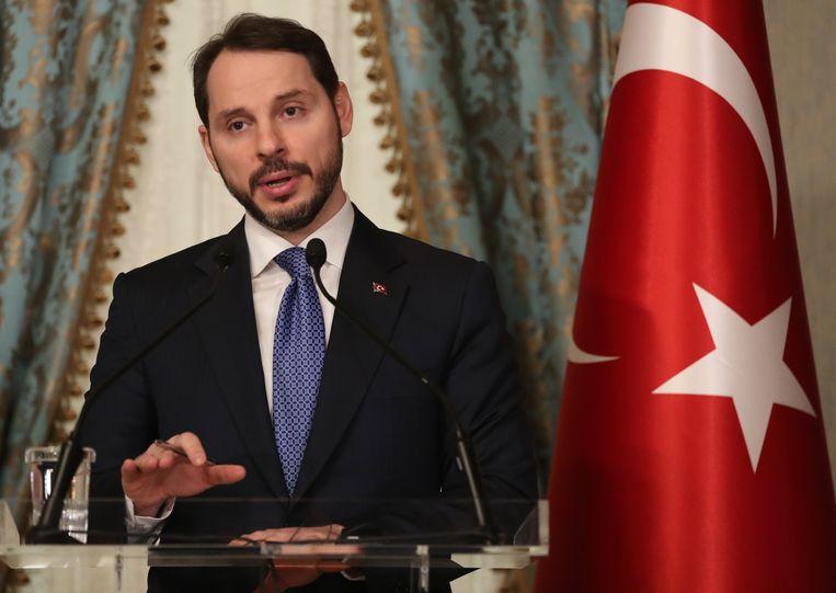 Berat Albayrak, de schoonzoon van Erdogan die zondag onverwachts zijn aftreden bekendmaakte. Beeld EPA