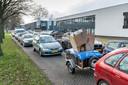 De file voor de entree van de milieustraat is met het nieuwe afvalbeleid goeddeels verdwenen.