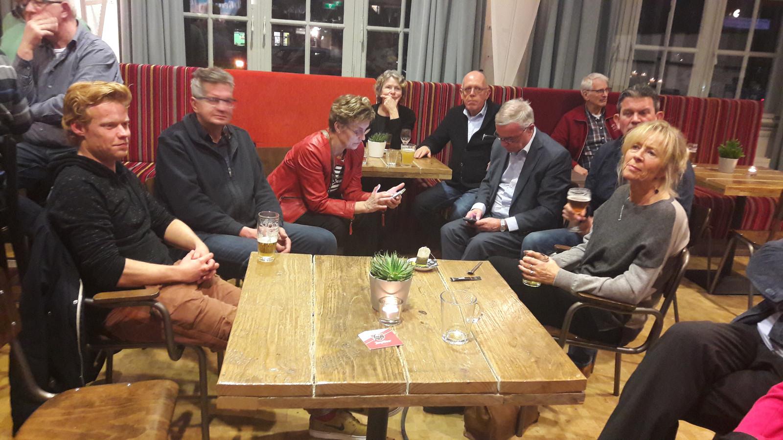 De PvdA wacht de uitslagen af.